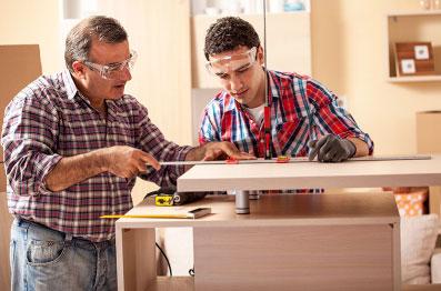 Fabricamos Painéis e Madeiras usadas na marcenaria, construção e embalagens