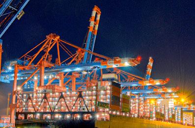 Distribuimos nossos produtos para mais de 3.500 clientes através de 223 portos nos cinco continentes